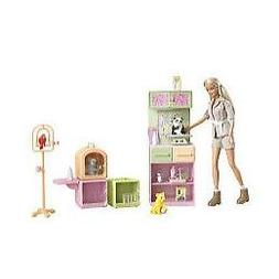 Barbie - Play All Day Zoo Doctor Doll and Playset