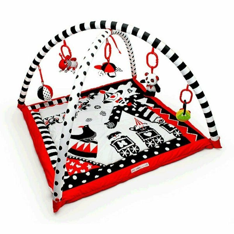 activity 3d playmat gym black white red
